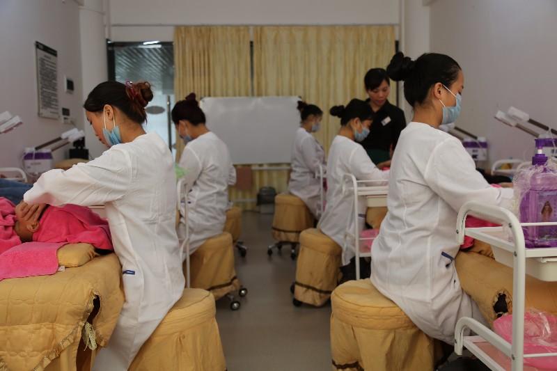 学校美容去哪里学习好呢 广州百美汇学校怎么样