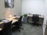出租300元精装办公室,可单独租工位,拎包办公,按日起租