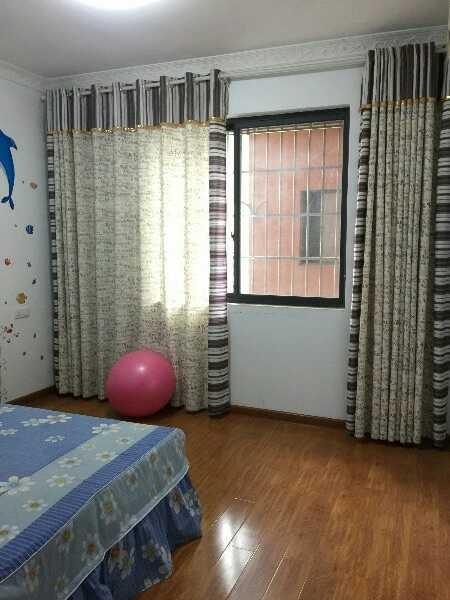 金龙湾花园江景房 精装修 132平米 4房2厅2卫