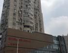环线广场110平米出租,有装修隔断,房型方正,地铁口办公