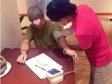 北京陪護老人公司哪家好 簽約規范服務專業的可優先考慮