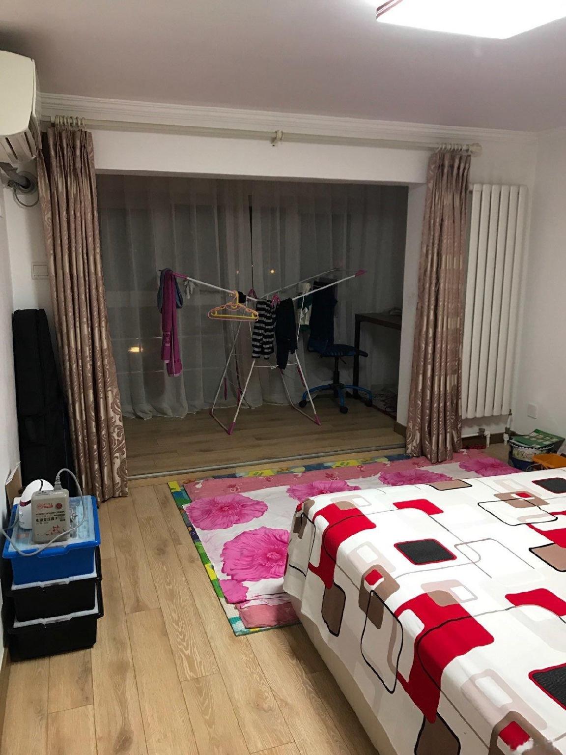 万年花城濠景 3室1厅2卫 限女生