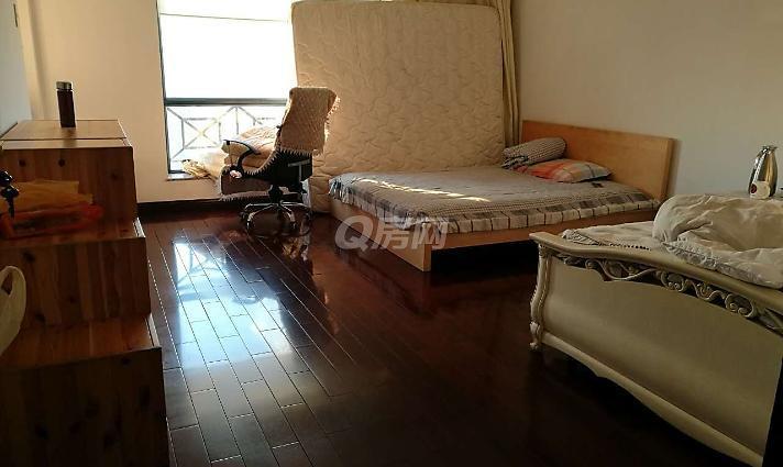 万科俊园 普通装修,6室2厅豪华装修