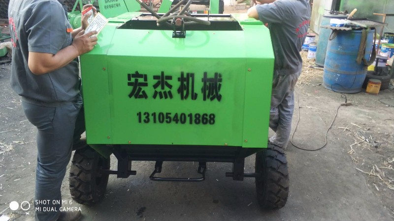 厂家出售麦秸玉米秸秆粉碎捡拾打捆机
