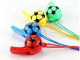 批发彩色塑料足球造型口哨,便宜的小玩具,要求不要太高哦2833