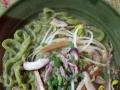 纯手工营养蔬菜汁制作的彩色面条