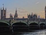 欧盟护照加英国居留卡