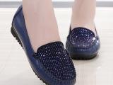 水钻软皮软底平跟妈妈鞋子真皮单鞋秋季中老年女鞋平底中年皮鞋