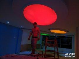 南昌创新软膜天花吊顶装饰办公场所透光灯箱各种喷绘灯箱