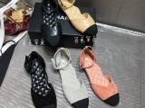 潮牌板鞋这个是代理的呢