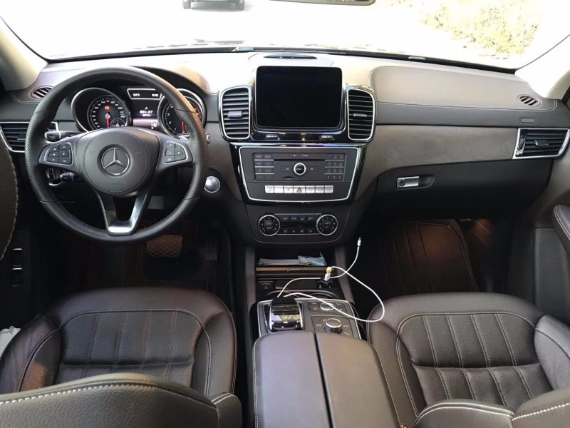 2016年8月 较新款奔驰GLS400