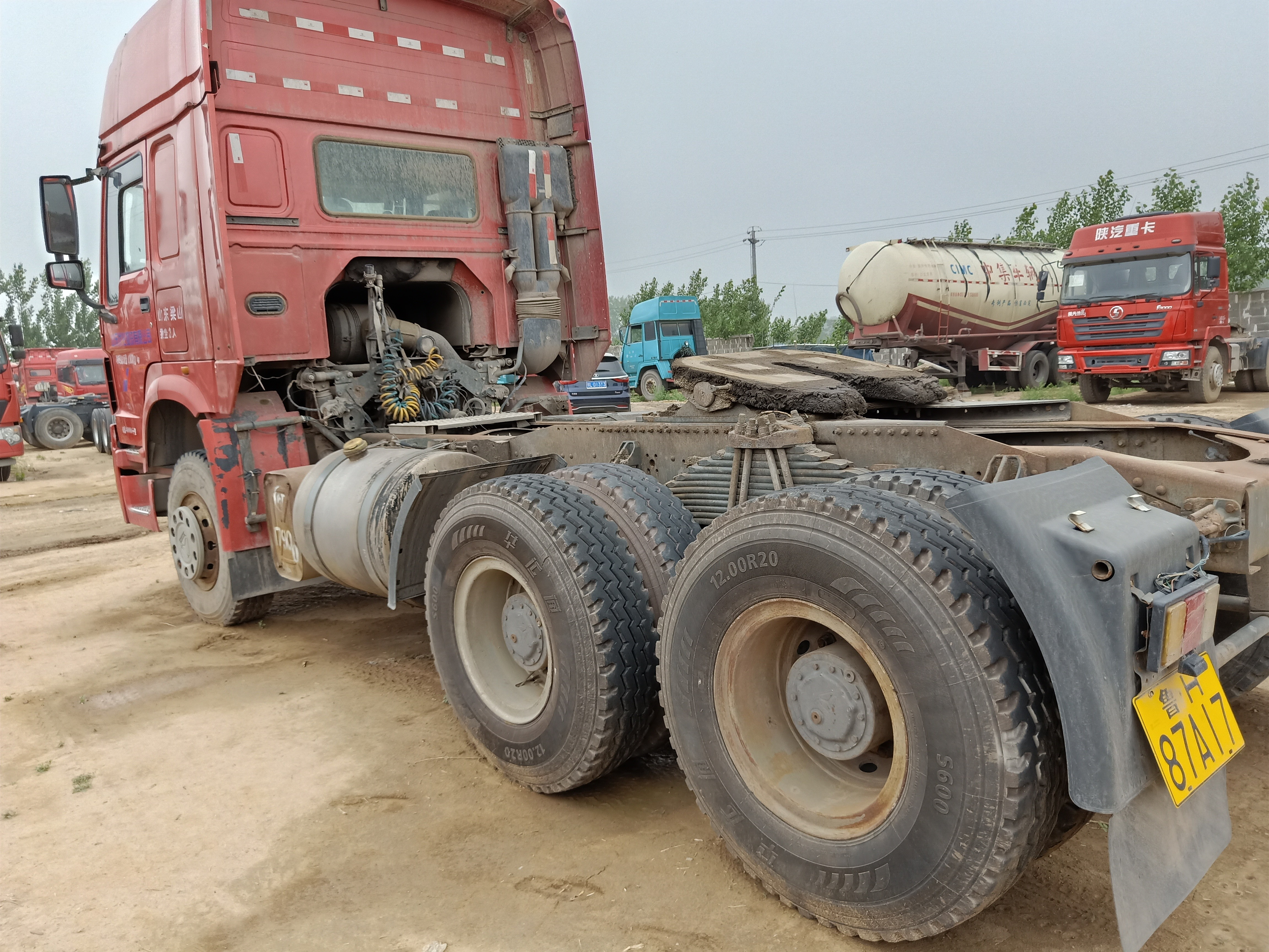 二手豪沃拖头重型380马力国三车