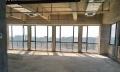 6号线地铁口一楼186平方毛坯写字楼双面完.美采光