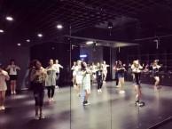 成都双流专业街舞培训班 双流街舞教练班培训 双流街舞成人班