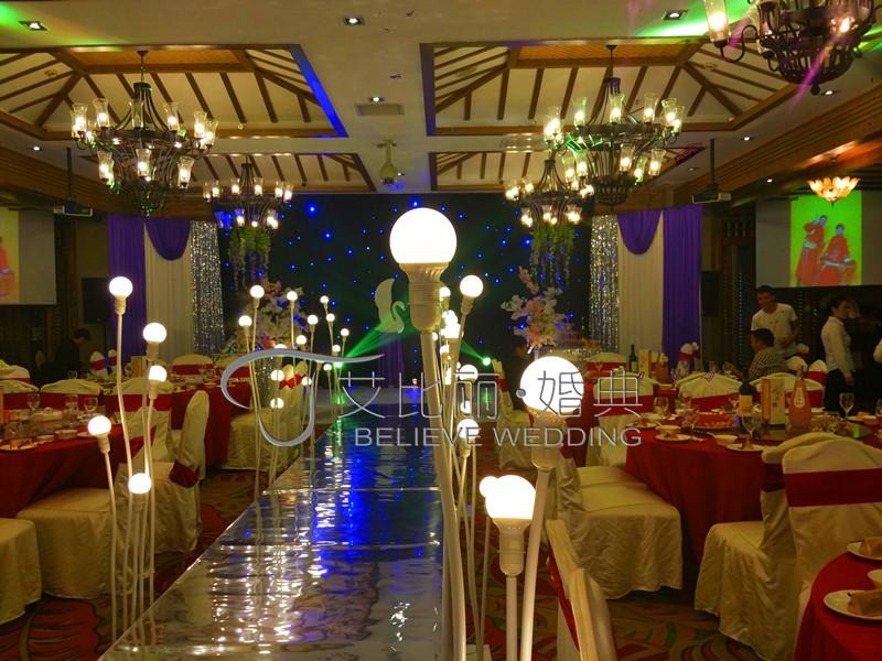 成都婚庆公司艾比丽婚典策划5999元西式鲜花暗场超值套餐
