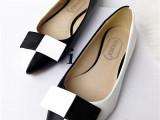批发一件代发黑白拼色平跟女单鞋休闲OL尖头浅口皮鞋春夏新款批发