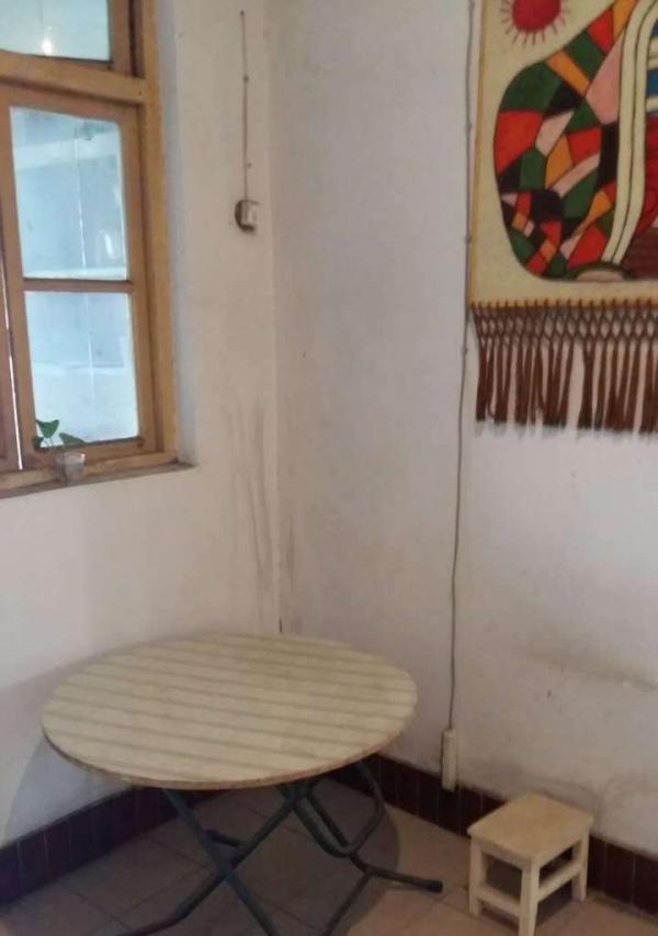 市直幼儿园四楼出租700元/月 三室一厅家具家电齐全拎包入住