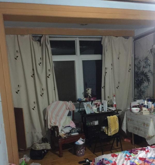 桃花岭小区 3室1厅1卫分租单间,每个房间850元