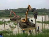 广东汕头水上挖掘机出租用于清理河道淤泥