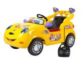 逗豆四通遥控儿童汽车可充电红黄2色 遥控坐人童车批发