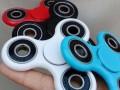 2017新奇特礼品白领减压成人玩具指尖陀螺风靡美国