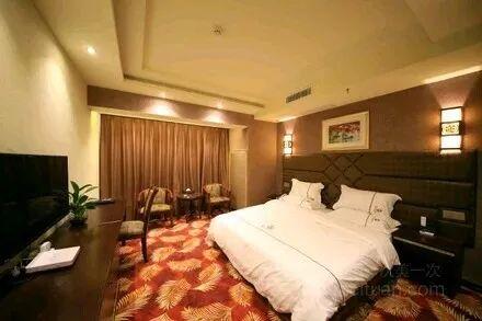 花果园中央商务区两层在经营酒店低转证件齐全
