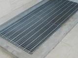 厂家直销钢格板、排水沟盖及井盖、楼梯踏步板、树池盖板