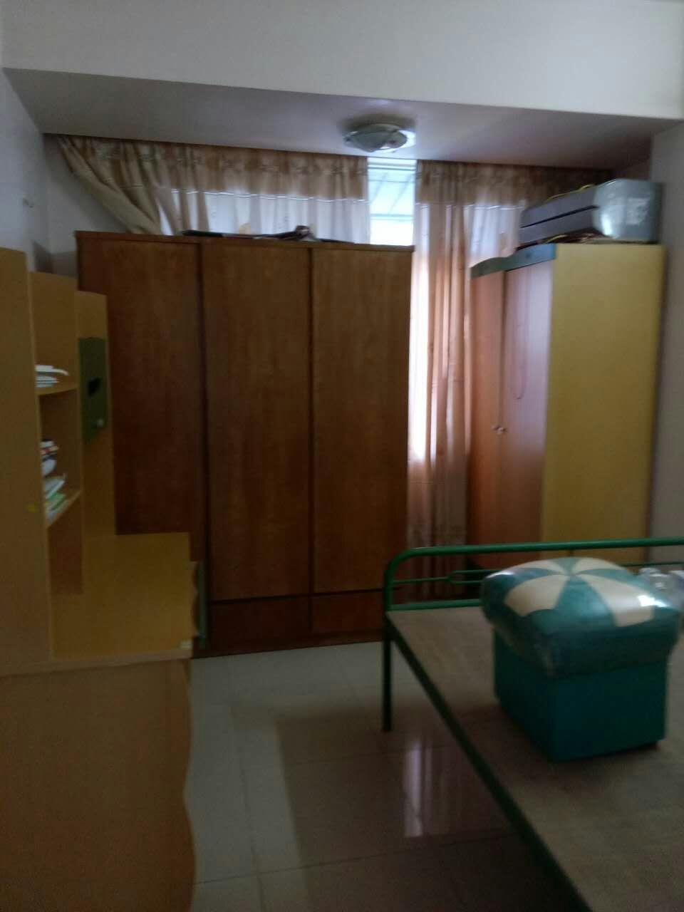 急租,世贸附近南桥路单位房3房2厅,家具齐全,1200元