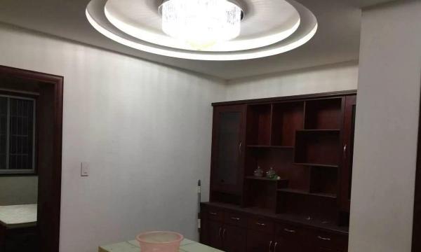 天池苑南区4楼3室较佳装修3000,小区停车方便周边配套丰富