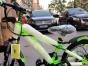 因改行现店里有一批山地自行车亏本促销