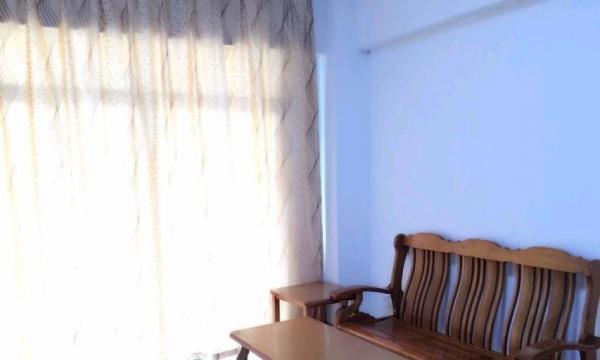 万达商圈龙文花园2室1厅1卫大阳台1600元