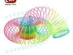 厂家直销:供应闪片中型彩虹圈 8.7*9CM彩虹圈魔力弹簧圈地摊热卖