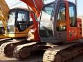 二手日立135挖掘机,原装进口一手工地干活机子