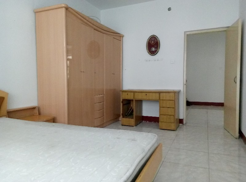 正华花园 3室 2厅 113平米 整租