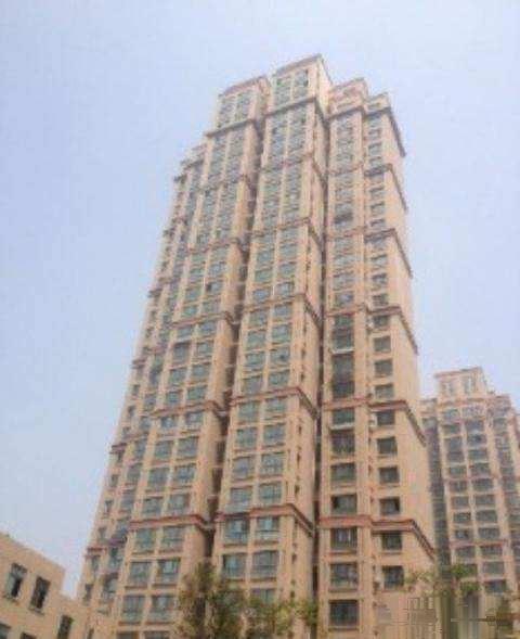 站前鑫苑 111平方三室 电梯观景房 超值低 价