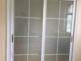 鄭州市高新區臥室門防盜門廚房陽臺玻璃門維修安裝