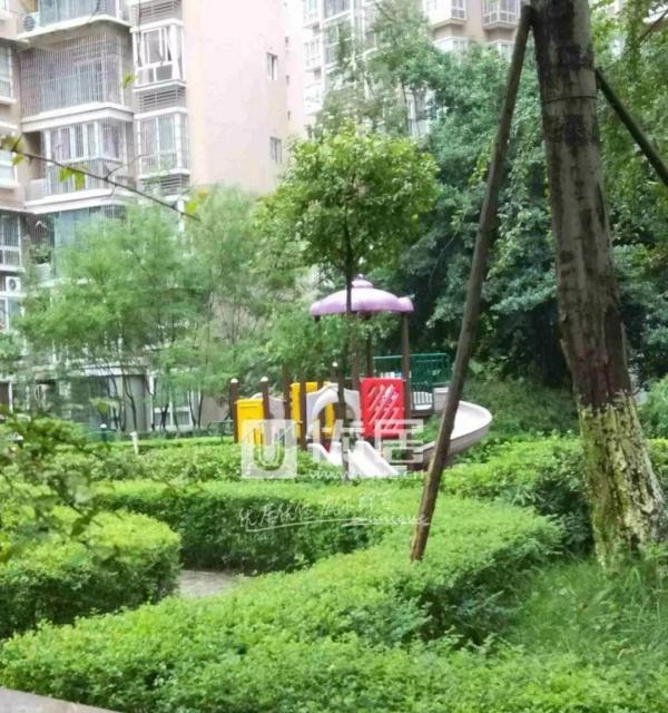 海润滨江 大盘小区户型方正 清水出租 可长租 江景房