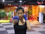 北京出国防身培训班-北京女子搏击防身-北京女孩学搏击防身