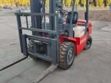 重庆高价回收废旧叉车本地三吨半叉车