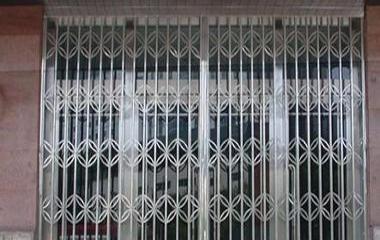 潮州市顺发主营各类卷电动卷闸门,电动门专业维修安装