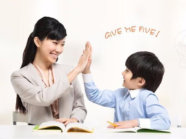 小学六年级英语阅读作文精讲班 小升初数学 奥数语文辅导班
