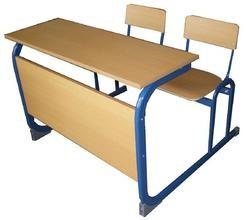 郑州课桌椅厂家直销 专业出售批发课桌椅 升降课桌椅