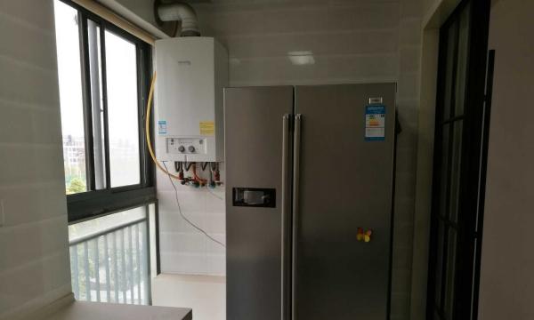 居巢丽景国际 3室2厅2卫 128平米 精装修(有供暖锅炉)