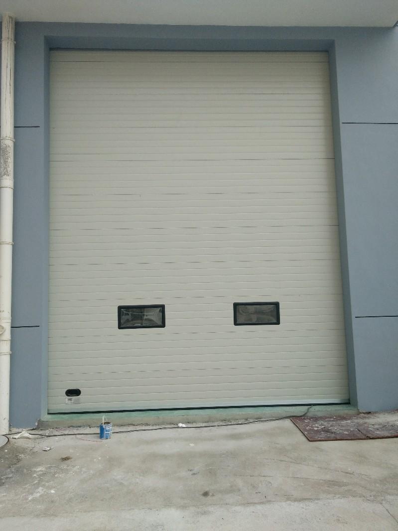 徐州道闸停车场系统维修卷帘门电动门伸缩门自动门快速门