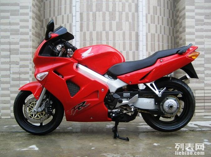 低价出售本田VFR800