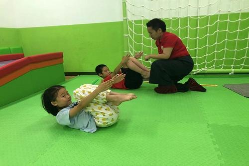 杭州3岁孩子感统失调训练方法-艾尔专注力