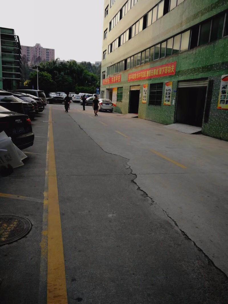 龙华布龙路 梅观高速出口中裕冠240平厂房出租