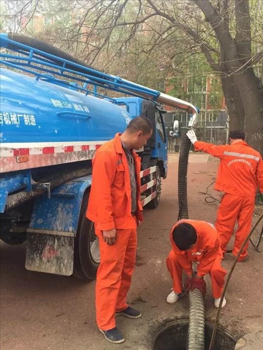 呈贡大渔乡一带化粪池清理污水沟疏通化粪池清理抽粪清沟服务