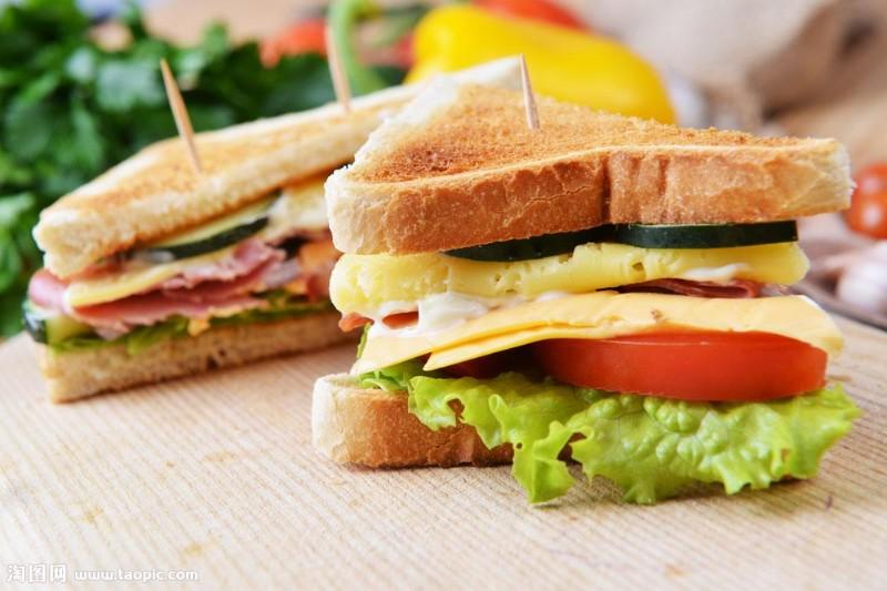三明治的制作-瑞士卷怎样做-三明治瑞士卷顶正学习
