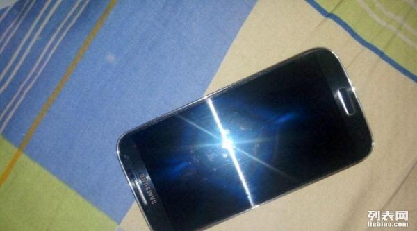 三星S4蓝色手机一部